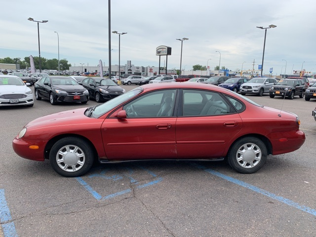 Pre-Owned 1996 Ford Taurus GL