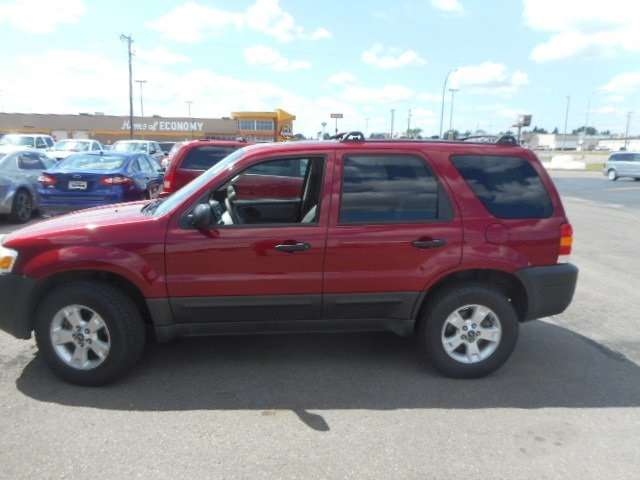 Pre-Owned 2005 Ford Escape XLT