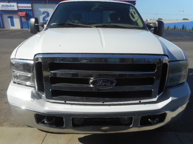 Pre-Owned 2005 Ford F-250SD
