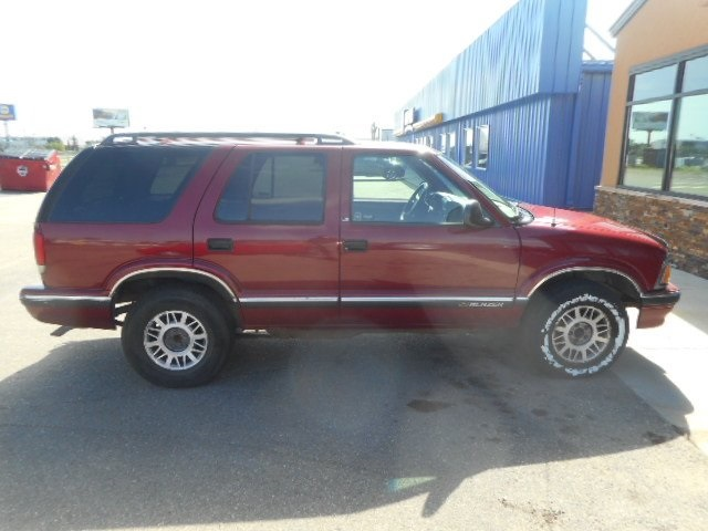 Pre-Owned 1997 Chevrolet Blazer Base