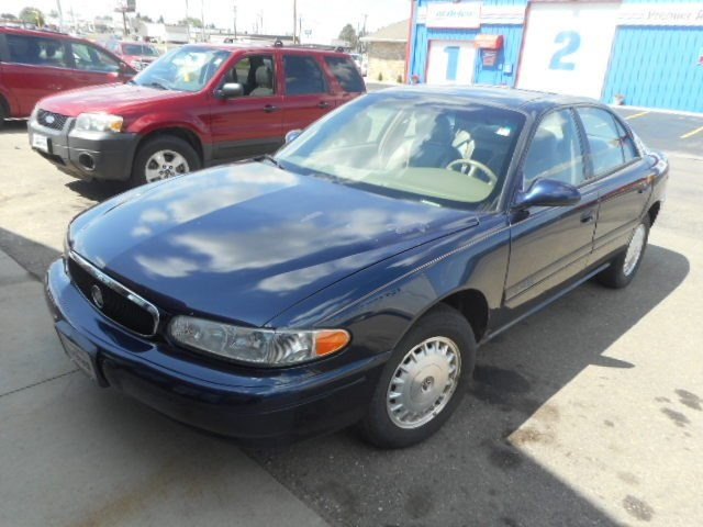 Pre-Owned 2000 Buick Century Limited