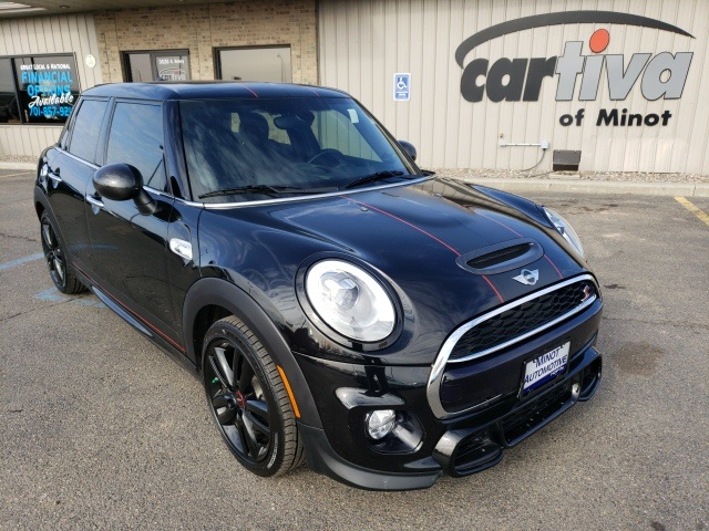 Pre Owned 2016 Mini Cooper S Base 4d Hatchback In Minot 55155a